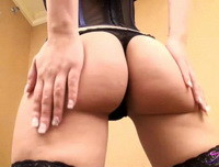 Autumn Riley playing with her tight ass
