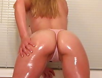 Alisa Kiss - Baby Oil Fun